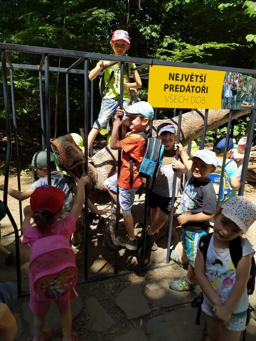 Výlet do Dinoparku